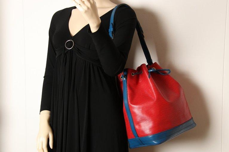 24703bd66f837 Louis Vuitton Grand Sac Noe Rot-Blau Epi mit Innentasche m44085