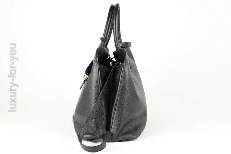 1bd7b82789048 Prada Two-Way Bag Schwarz Leder